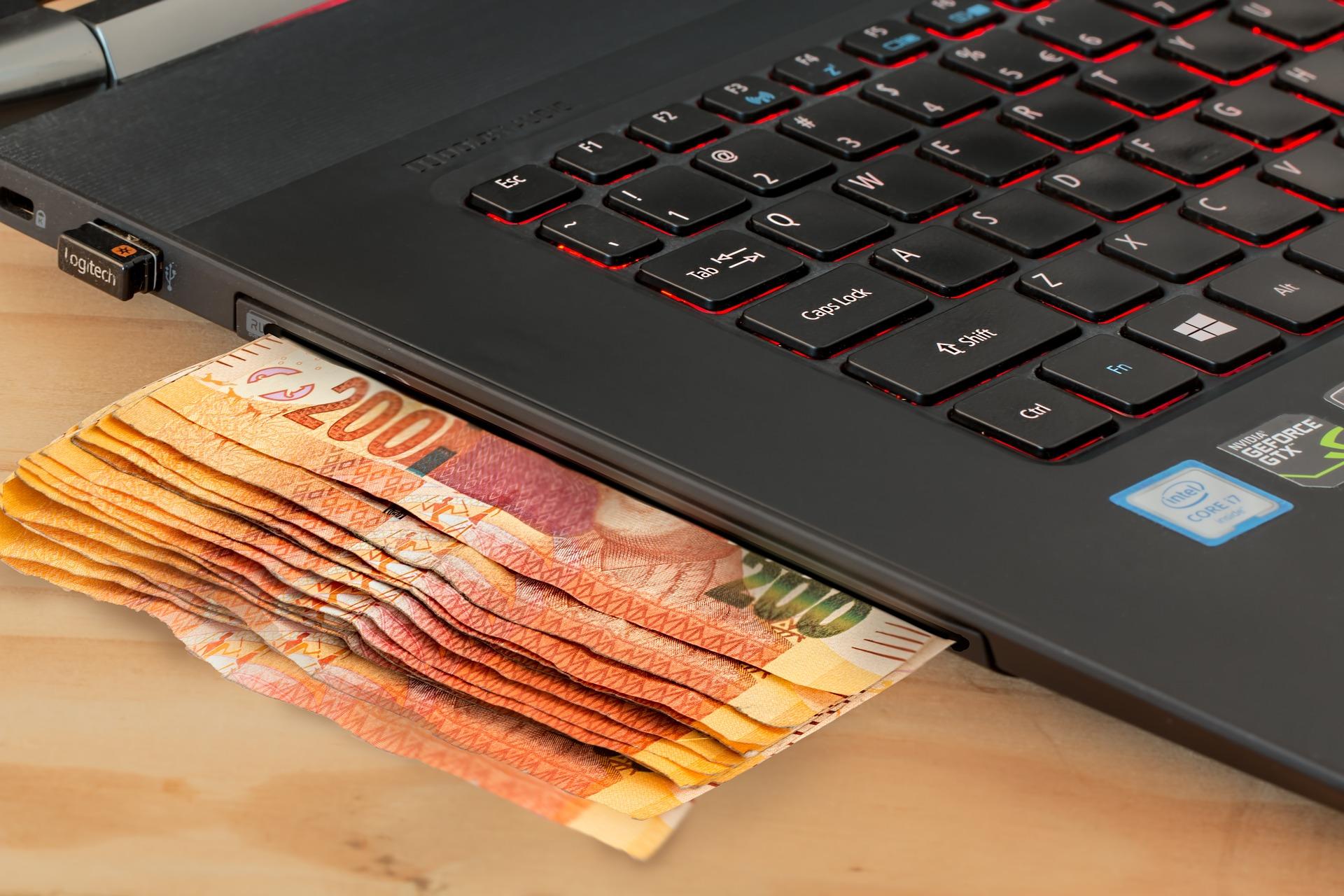 Банките посрещат технологичната революция с надежда... и малко страх