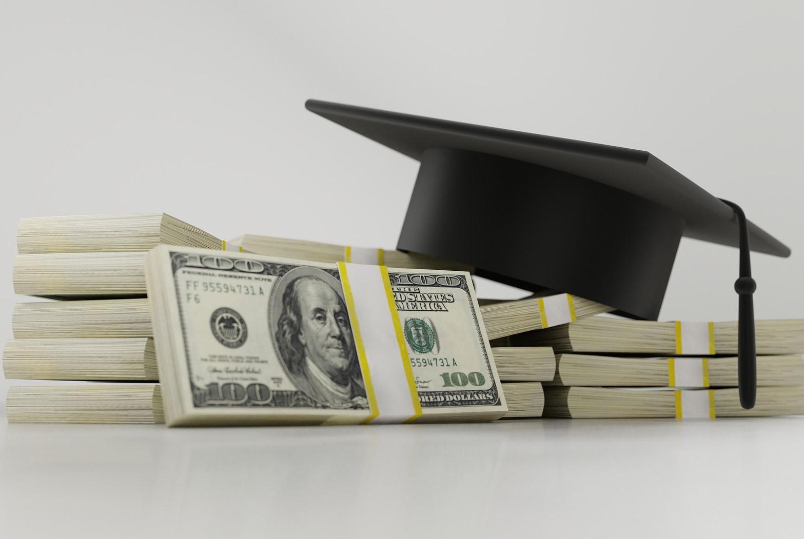САЩ ще опростят студентски кредити за над 200 милиарда долара до 2029 година