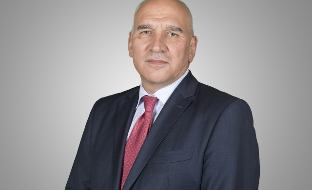 Левон Хампарцумян се оттегля след 18 г. начело на Уникредит Булбанк