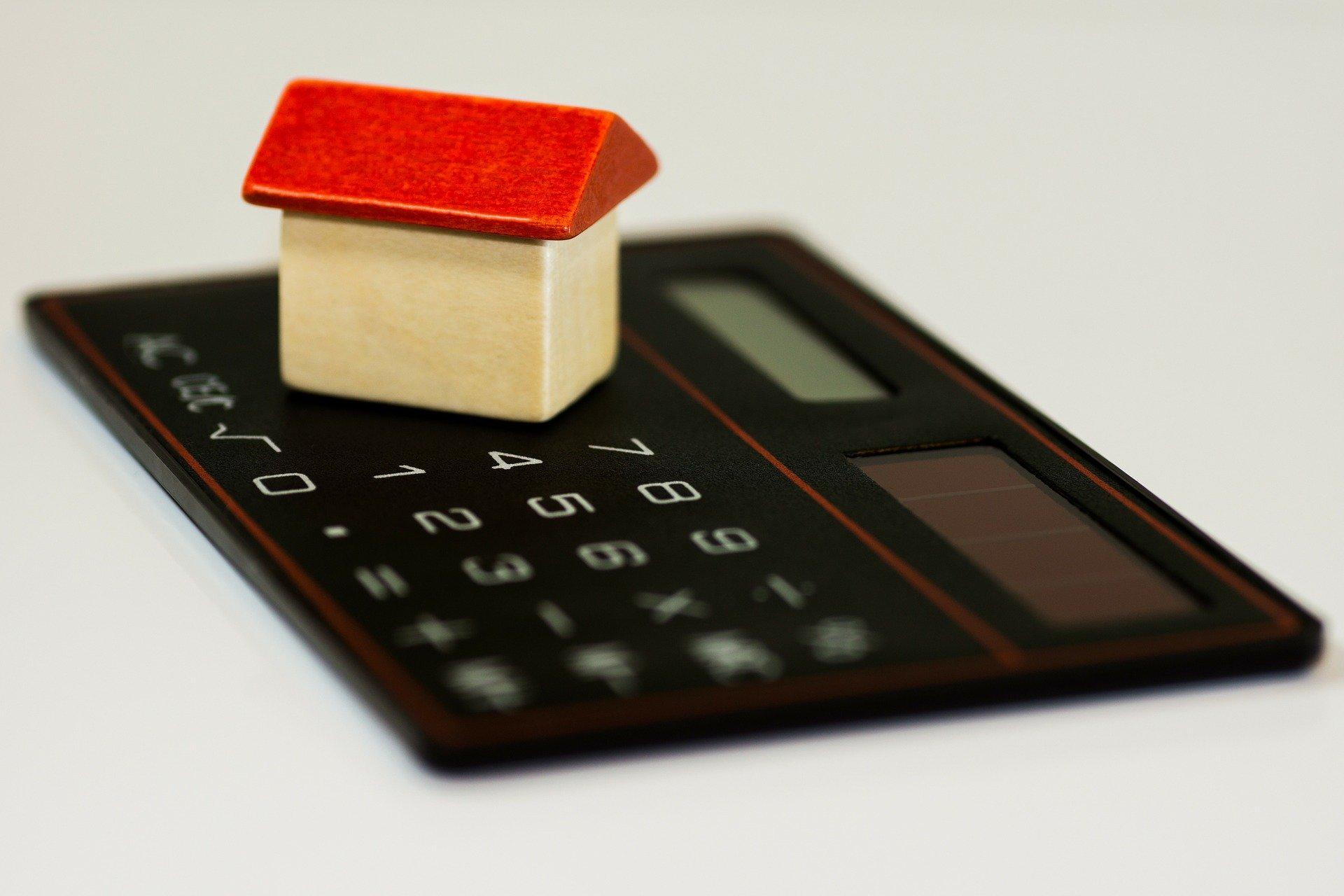 Лихвите по ипотеките в САЩ се задържат близо до историческото си дъно