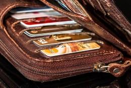 Потребителски кредит за покриване на задължения по кредитна карта. Да или не?